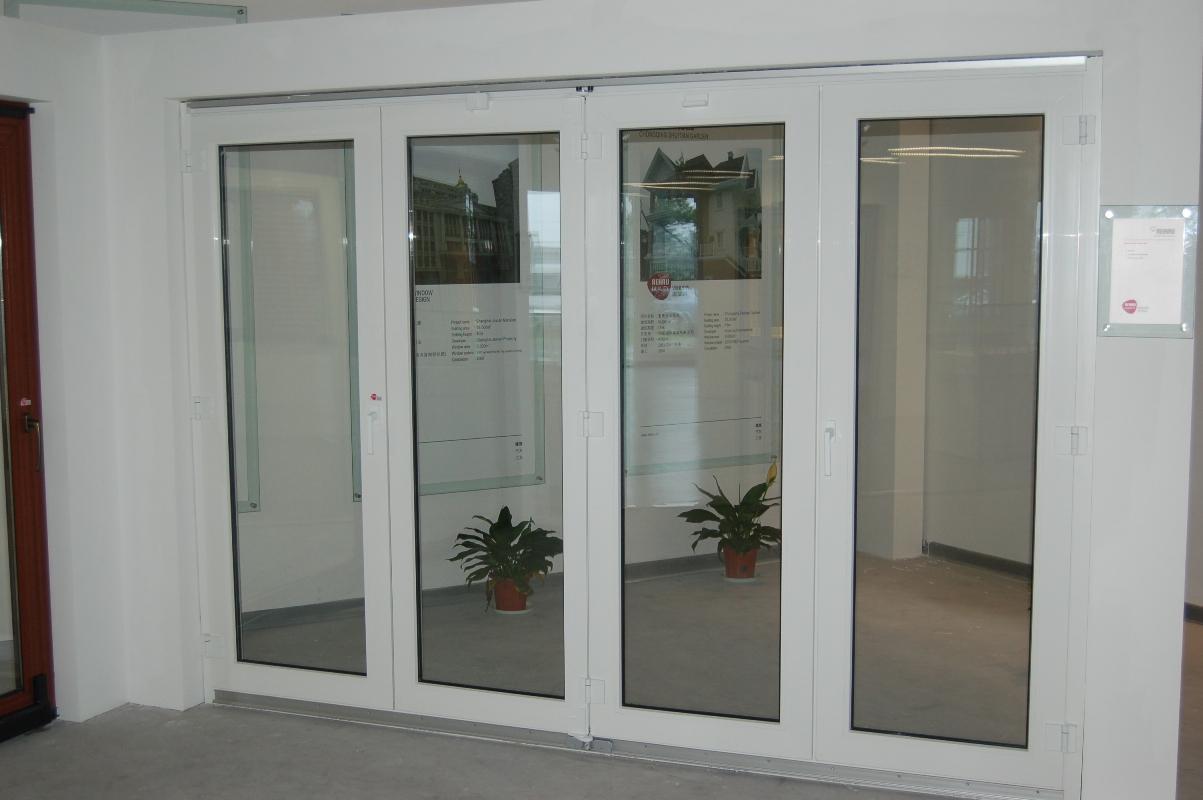 cửa đi xếp gấp 4 cánh